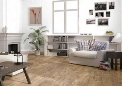 quickstep_perspective_wilde_reclaimed_chestnut_antique_laminate_flooring_-_ulw1543_2